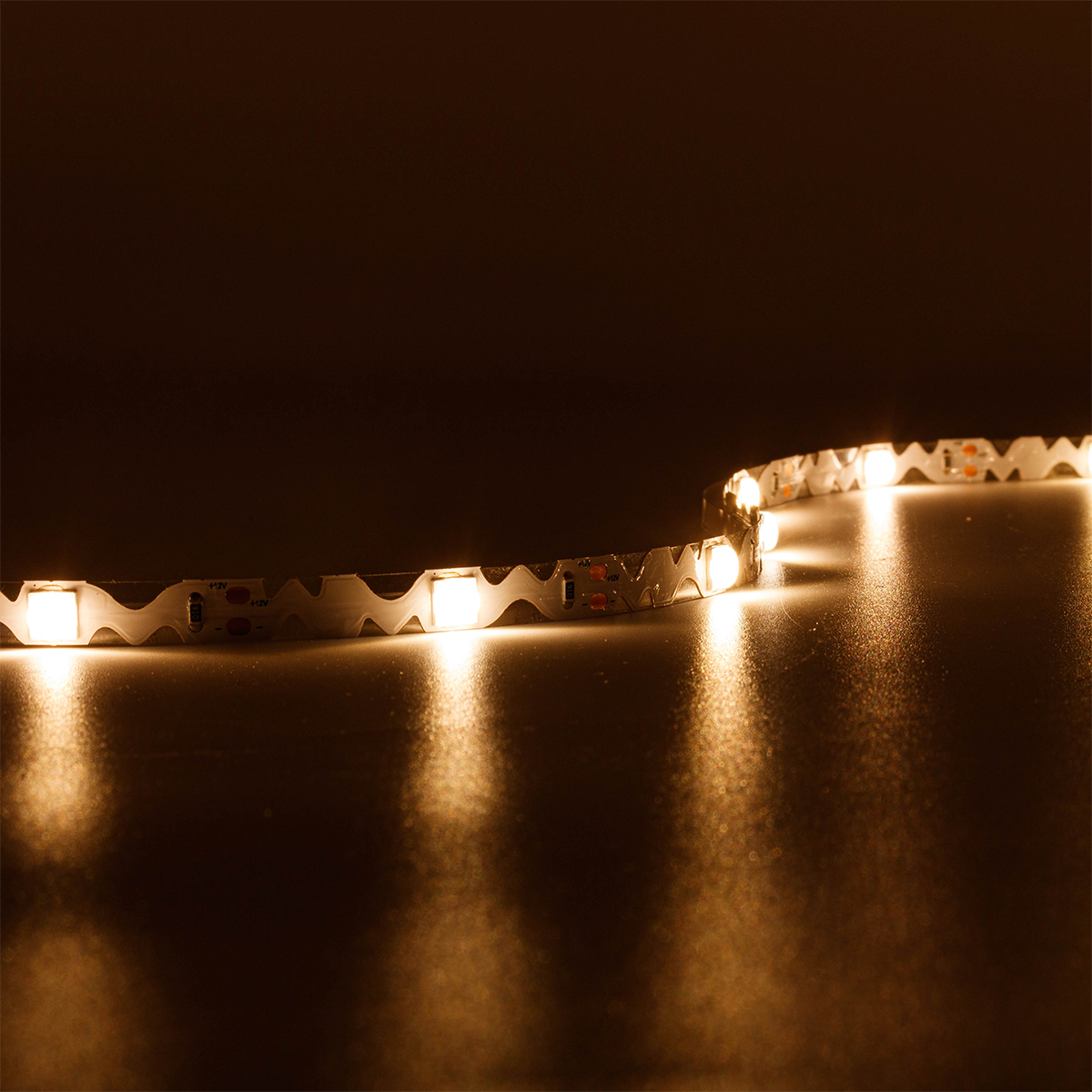 ZickZack Wide Angle Warmweiß 12V LED Streifen 5M 9W/m 20LED/m 8mm IP20 3000K