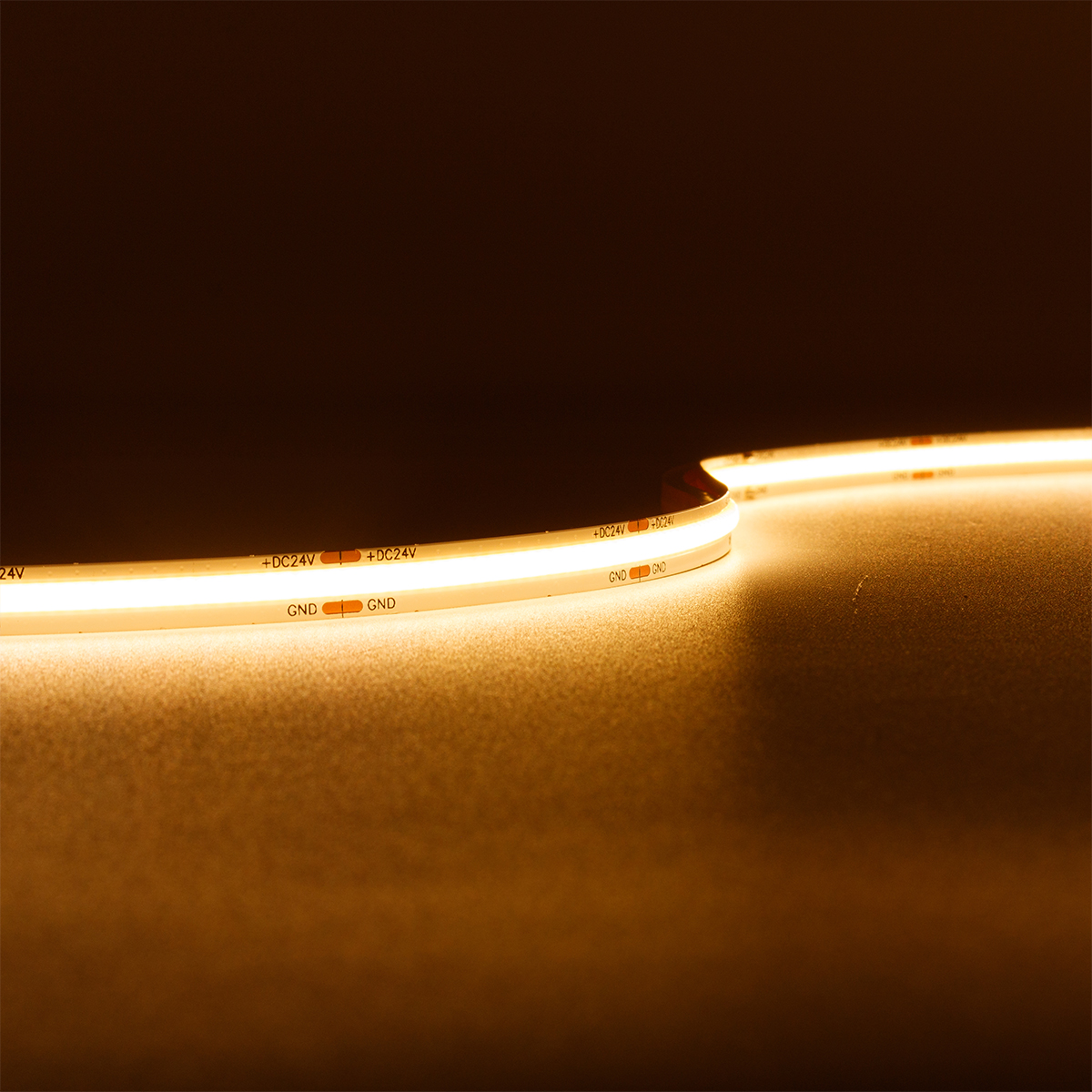 COB Super Warmweiß 24V CRI90 LED Streifen 5M 10W/m 528LED/m 8mm IP20 2700K