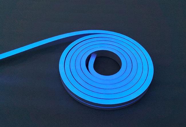 Neon Blau 24V LED Streifen 5M 10W/m 84LED/m 7mm IP65